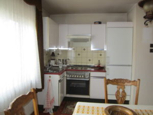 Küche Wohnung OG (2)
