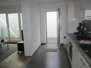 Einliegerwhg.-Eingangs- und Küchenbereich (2)