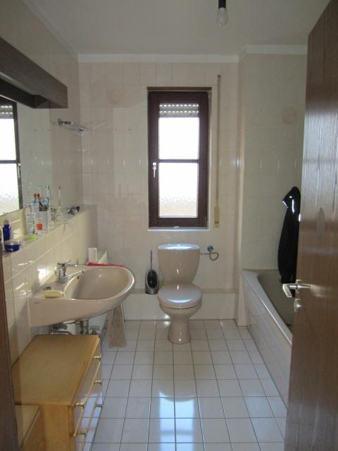 Badezimmer 2 hauser immobilien for Neue badezimmer 2016